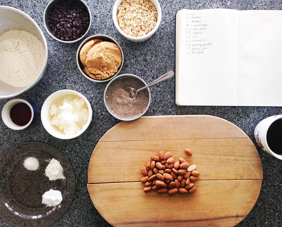 chocolate chip almond oatmeal cookies 2
