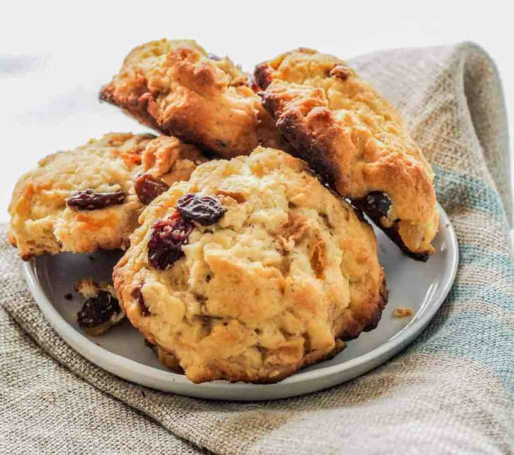 Use some low sugar dried fruit or fresh berries and Carbquick to make a low carb scuffins--a cross between a low carb scones and low carb muffins that are sure to satisfy your sweet craving. These scuffins are light, moist, and tasty.