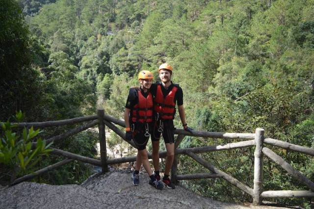 Canyoning-in-Da-Lat-REVIEW-Matt-and-Lorna-before-the-decent