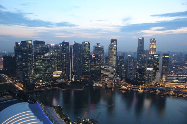 Ce-La-Vi-bar-view-11-unmissable-things-to-do-in-Singapore-Two-Souls-One-Path