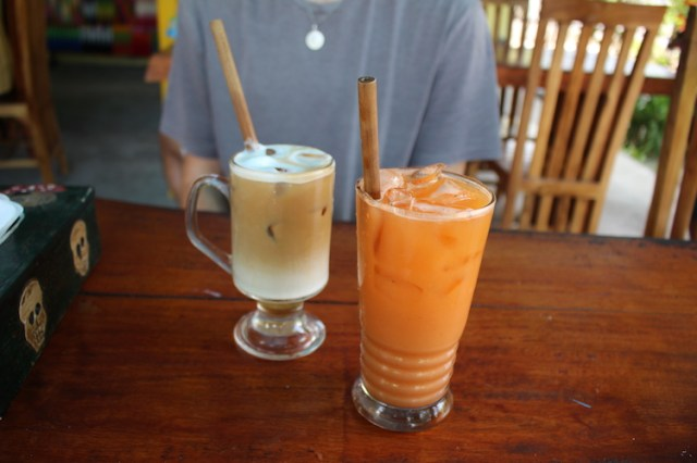 Vanilla-latte-orange-juice-penida-espresso