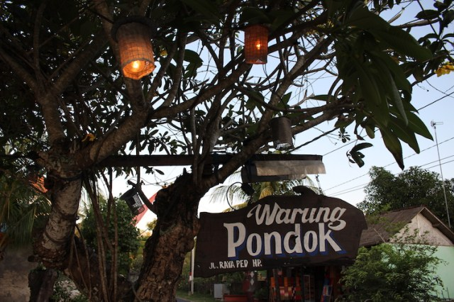Warung-pondok-Places-to-eat-in-Nusa-Penida