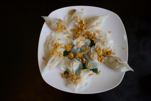 white-rose-dumplings-foods-to-try-in-Vietnam-Two-Souls-One-Path