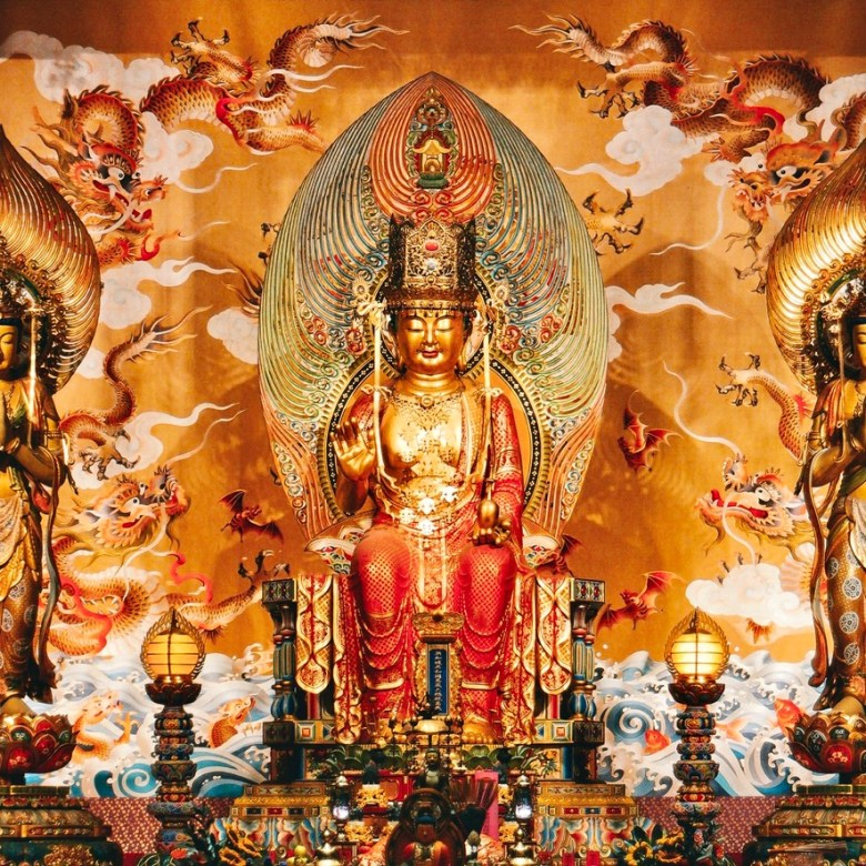 Holiday Singapore Itinerary Travel Tips Chinatown Buddha Tooth Relic Temple
