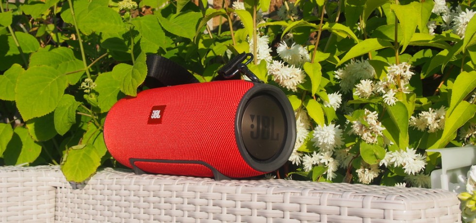 Best bluetooth portable speaker JBL Xtreme long term review featured