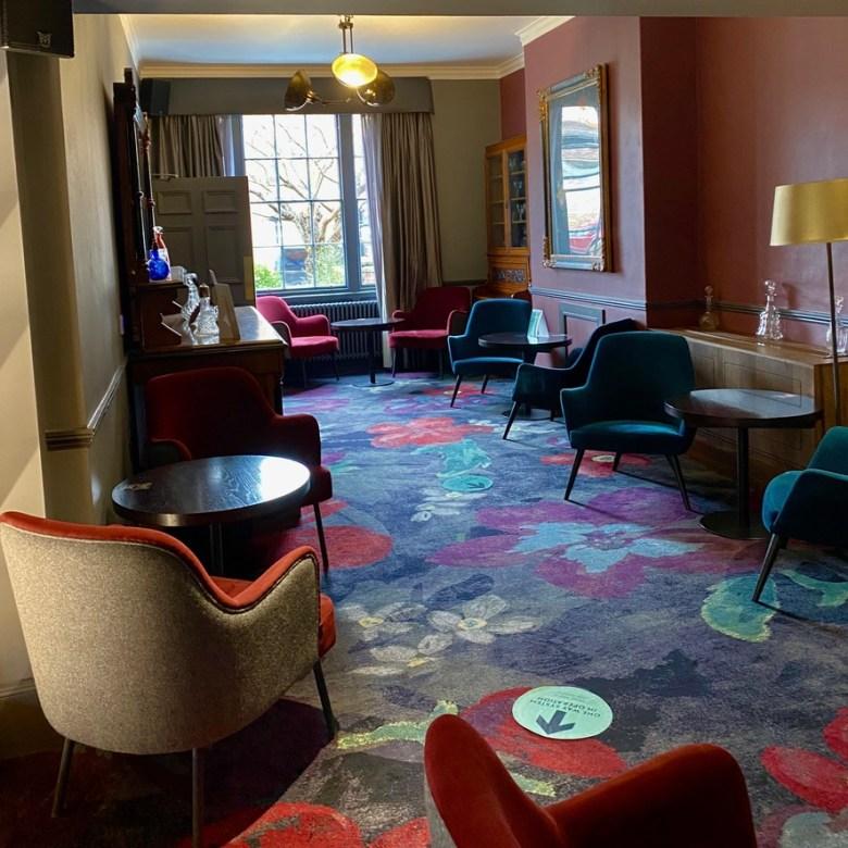 Hotel du Vin Stratford upon Avon Modern Chic Comfort Convenient Central Location Design Bar