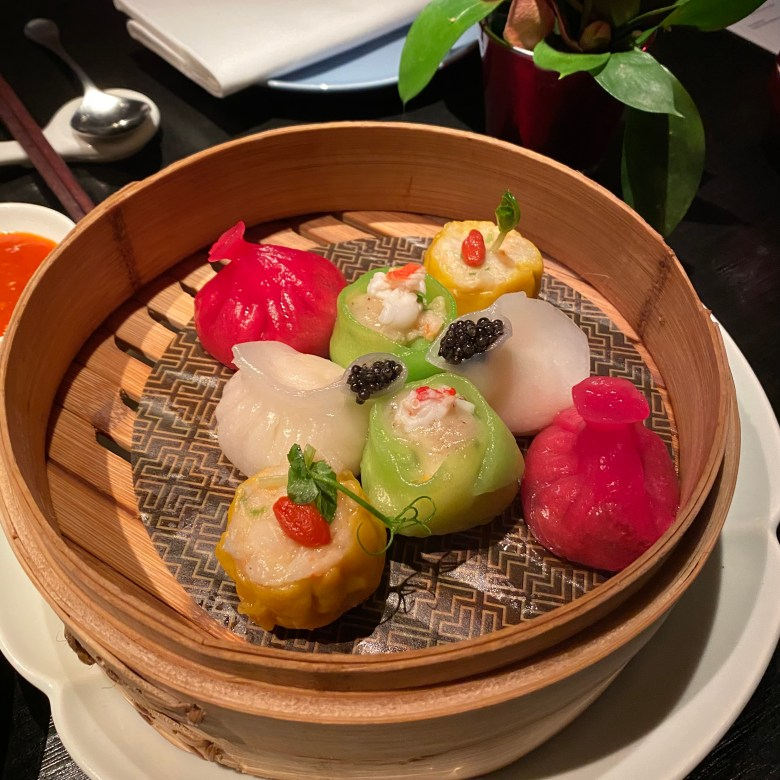 Hakkasan Hanway Place High End Luxury Chinese Cantonese London Funky Hip Trendy Restaurant Michelin Star Traditional Romantic Dining Fun Club Experience Peking duck Cocktail Bar Drinks Great Service Must Go Classy Steamed Dim Sum