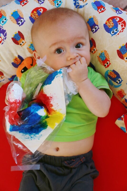 tummy time, mess free painting, creativity, baby, painting with baby, painting with todler
