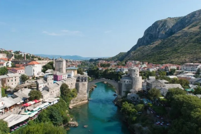 The Best Holiday Destinations in June | Travel Mostar in June | Two Find A Way | Travel Europe | Bosnia | Herzegovina | #travelinjune #europe #mostar #summertravel