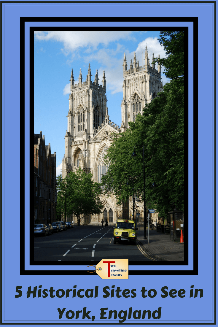 York is one of the prettiest cities in England! Learn more about the five must see historic places to visit in York. You can see this spots on a York England day trip, but you won't want to leave! | York England Things to Do It | York England Travel | #yorkengland #englandtravel #yorkminster #theshambles