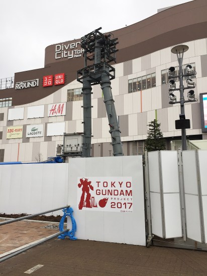 Normally the Gundam stands here... ;(