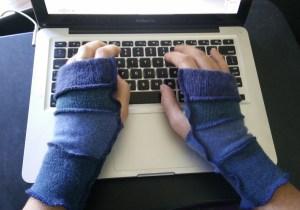 fingerless gloves tight