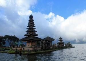 Visiting Bali with a 10-year-old boy: Ulun Danu Temple, Bedugul
