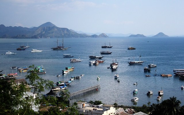 Two Worlds Treasures-Labuan Bajo
