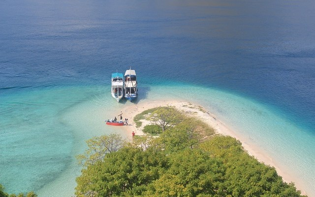Two Worlds Treasures - beautiful Kelor island from the top.