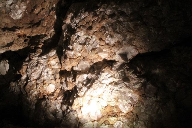 Longhorn Cavern - blink blink - Burnet, TX - Two Worlds Treasures