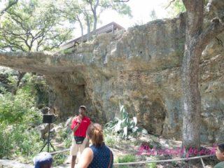 San-Antonio-鐘乳石洞導覽