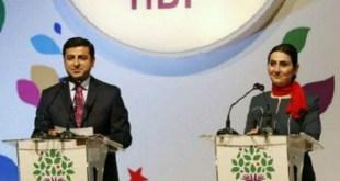 محكمة تركية تحظر مغادرة البلاد على زعيمة حزب موال للأكراد بتهمة تصريحاتها الداعمة لقوات حماية الشعب الكردية