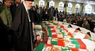 ﺫﻛﺮ ﺗﻘﺮﻳﺮ ﻟﻠﺘﻠﻔﺰﻳﻮﻥ ﺍﻟﺤﻜﻮﻣﻲ #ﺍﻷﻓﻐﺎﻧﻲ ، ﺃﻥ ﺃﻛﺜﺮ ﻣﻦ ﺃﻟﻒ ﻋﻨﺼﺮ ﻣﻦ الشيعة الأفغان والتي تقوم #ﺇﻳﺮﺍﻥ بإرسالهم إلى ﺳﻮﺭﻳﺔ ، ﻗﺘﻠﻮﺍ ﺧﻼﻝ ﺍﻻﺷﺘﺒﺎﻛﺎﺕ ﺍﻟﺪﺍﺋﺮﺓ ﻓﻲ ﺍﻟﻔﺘﺮﺓ ﺍﻷﺧﻴﺮﺓ. ﻭﻟﻔﺖ ﺍﻟﺘﻘﺮﻳﺮ ﺇﻟﻰ ﺃﻥ ﺇﻳﺮﺍﻥ ﺗﺮﺳﻞ ﺍﻟﻼﺟﺌﻴﻦ ﺍﻷﻓﻐﺎﻥ ﺍﻟﺬﻳﻦ ﺗﺴﺘﻀﻴﻔﻬﻢ ﻋﻠﻰ ﺃﺭﺿﻬﺎ ، ﺇﻟﻰ ﺳﻮﺭﻳﺔ ﻣﻘﺎﺑﻞ ﻣﺒﺎﻟﻎ مالية ﻣﺪﻓﻮﻋﺔ ﻟﻬﻢ ، ﻭﻭﻋﻮﺩ ﺑﻤﻨﺤﻬﻢ ﺗﺼﺎﺭﻳﺢ ﺍﻹﻗﺎﻣﺔ .