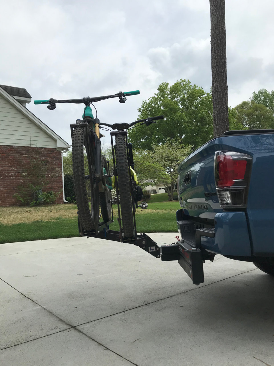 How To Tie Down A Kayak In A Truck Bed : kayak, truck, Hauling, Kayak, Short, Suggestions, Tacoma, World