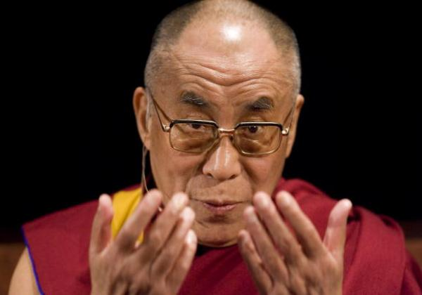 Dalai Lama Visits Seattle To Start US Tour