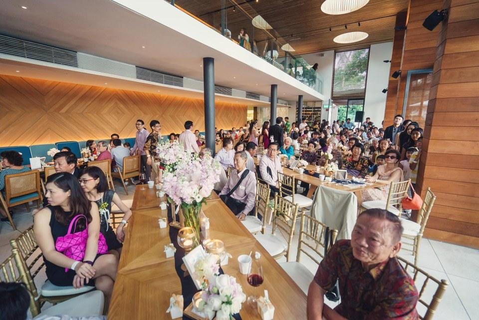 Indoor Dining     Photo Credits: Simplifai Studios