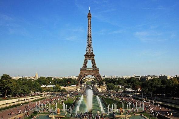 (4) Paris 3