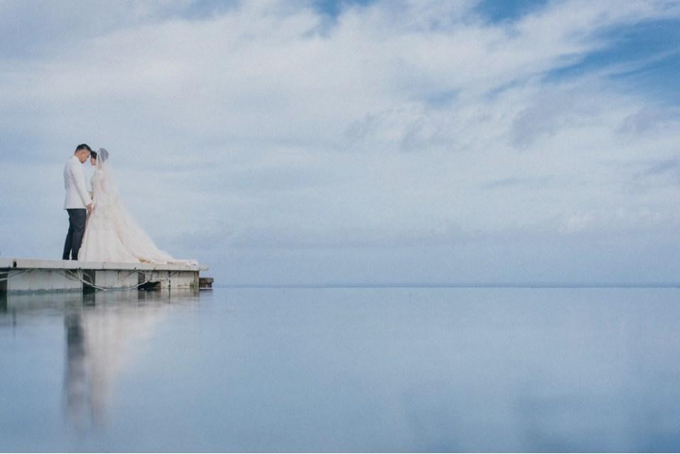 pre-wedding photoshoot locations indonesia - Tirtha Uluwatu Chapel - OneThreeOneFour