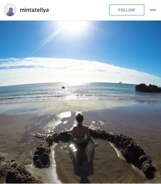 New Zealand Honeymoon_hot-water-beach-3