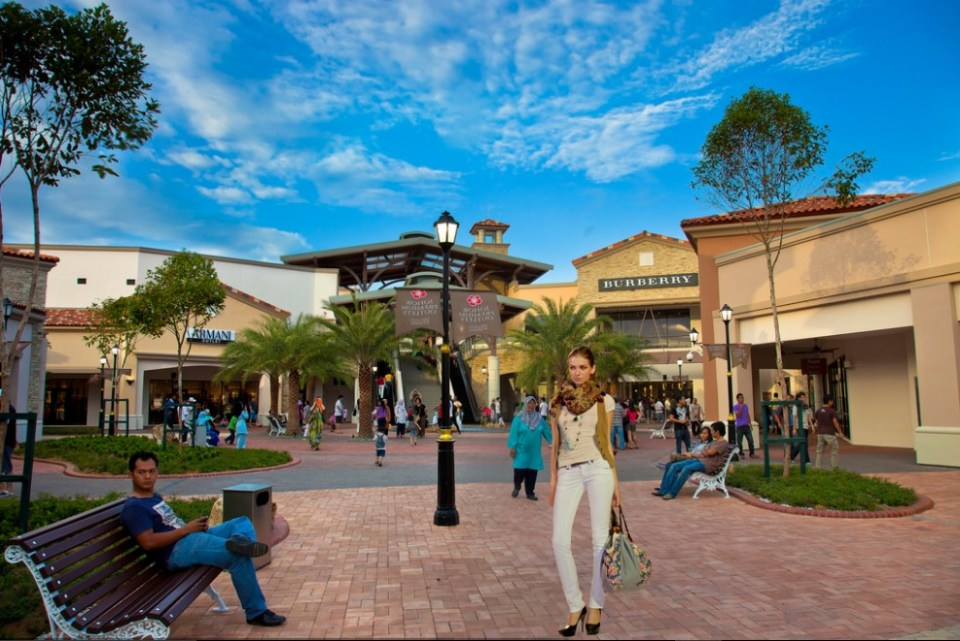 johor bahru honeymoon - Premium Outlets - Flickr
