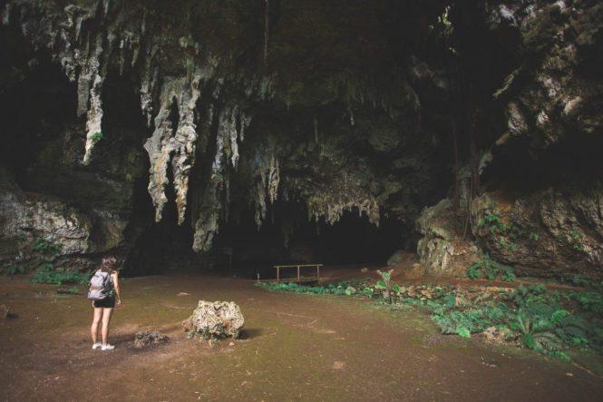New Caledonia Honeymoon - Grotte de la ReineHortense - Un Jour en Calédonie