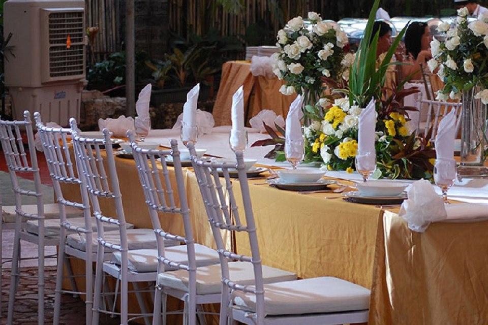 rent wedding chairs - Robert Camba