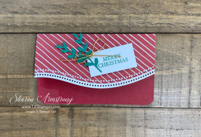 A gift card holder for Christmas you can make with the Stampin' Up! Curvy Christmas set.