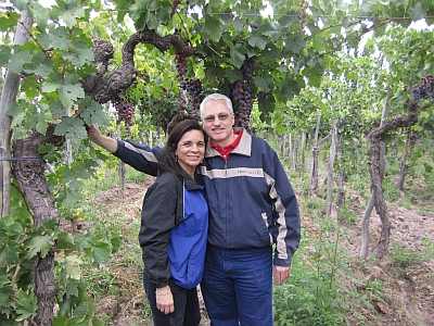 Jeff and Gloria in the tall vines
