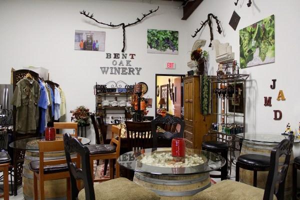 Bent Oak Winery gift shop