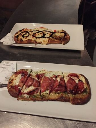 Checkered Past Winery pizza