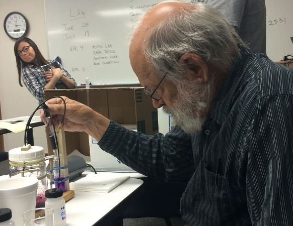 Dr Roy Mitchell in lab