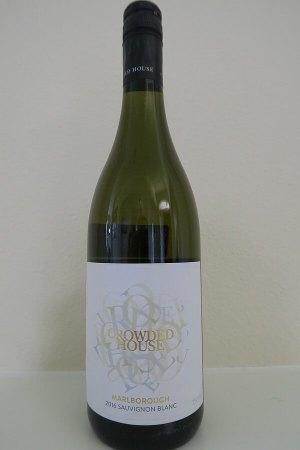 Crowded House Sauvignon Blanc bottle