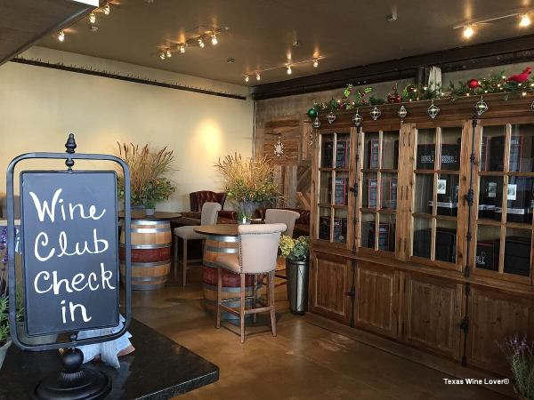 Becker Vineyards Main Street wine club lounge