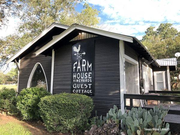 Farmhouse Vineyards Guest Cottage