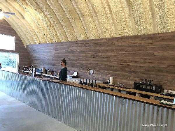 Blue Lotus Winery - Hye tasting bar
