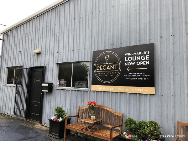 Decant Urban Winery outside