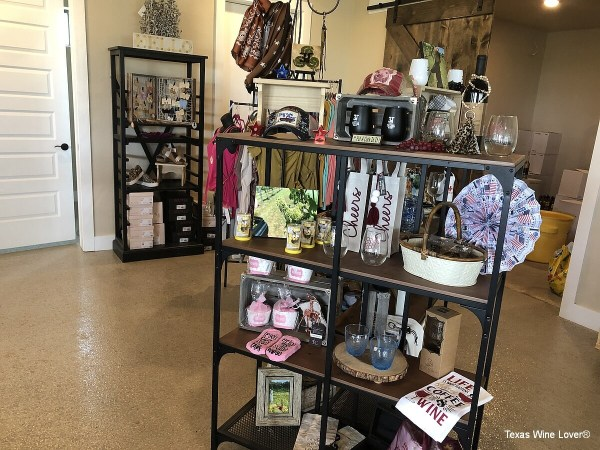 3 Texans Winery gift shop