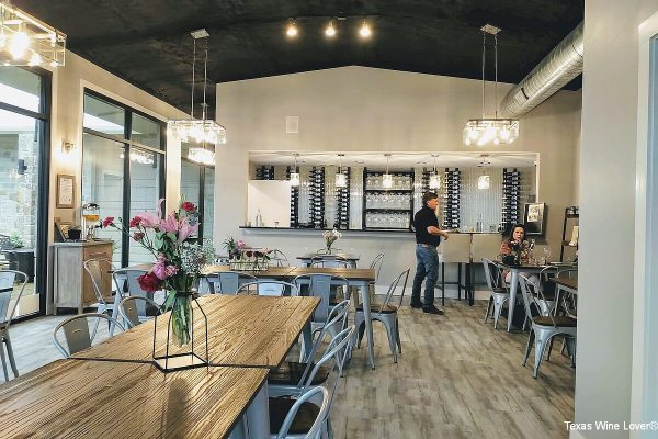 Dove Ridge Winery tasting room