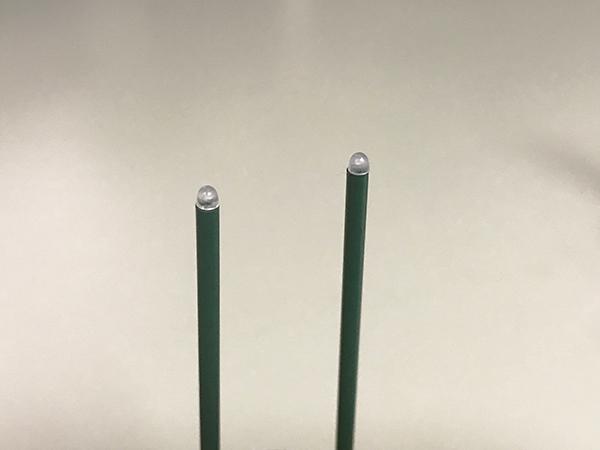 「安心のお線香ミニ」先端のLED。直径約1.5mmです。日本の技術の高さを感じます。