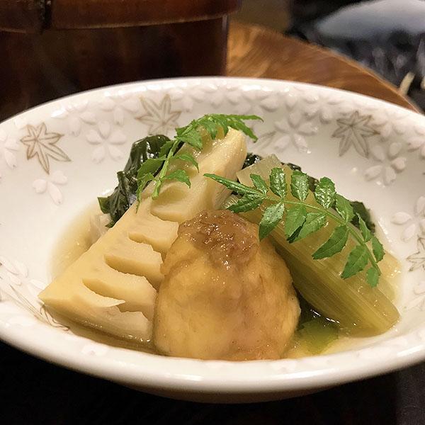 筍と蕗の焚いたん。「焚いたん」とは京都(関西)弁で「焚いた(煮た)料理」のこと。