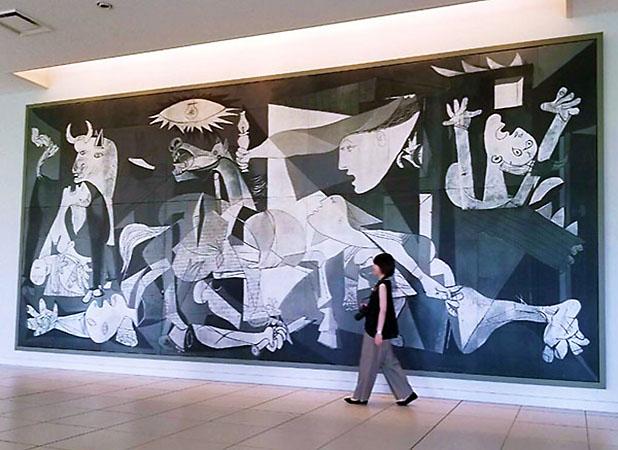 徳島県にある大塚国際美術館にある『ゲルニカ』原寸大レプリカ。陶板の複写作品。