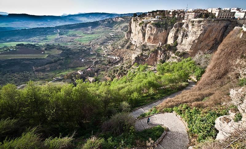 Уникальность удивительного города на скалах Испании — Ронда