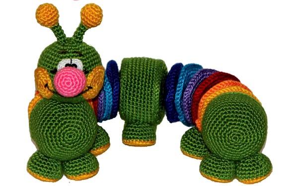 Радужная гусеница. Руководство по вязанию игрушки крючком