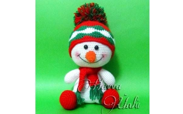 Вязаная крючком игрушка. Снеговик с шарфом. Описание